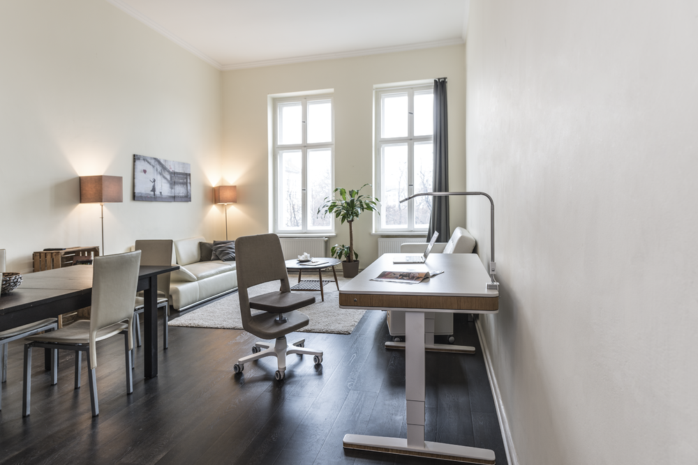 das wohnzimmer als kombi raum home office clever. Black Bedroom Furniture Sets. Home Design Ideas